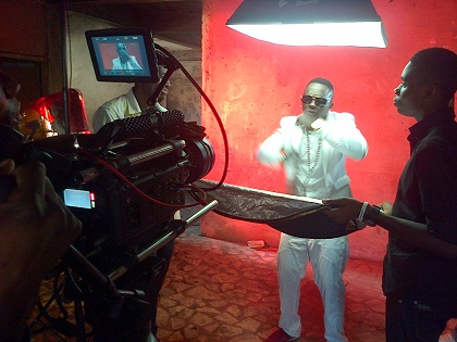 Waconzy Amosu Video Pics